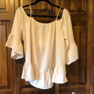 NEW Umgee cream colored ruffled blouse Size L